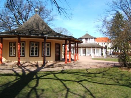 Bad Doberan, Roter und Weißer Pavillon